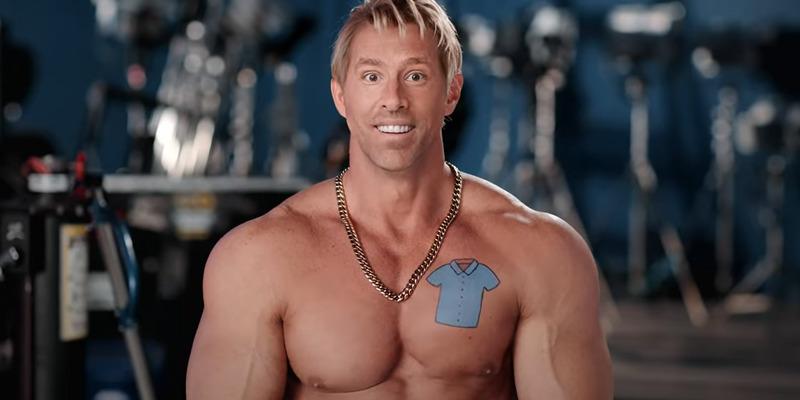 Ryan Reynolds aparece musculoso e fazendo piada com Deadpool, em vídeo de Free Guy; veja