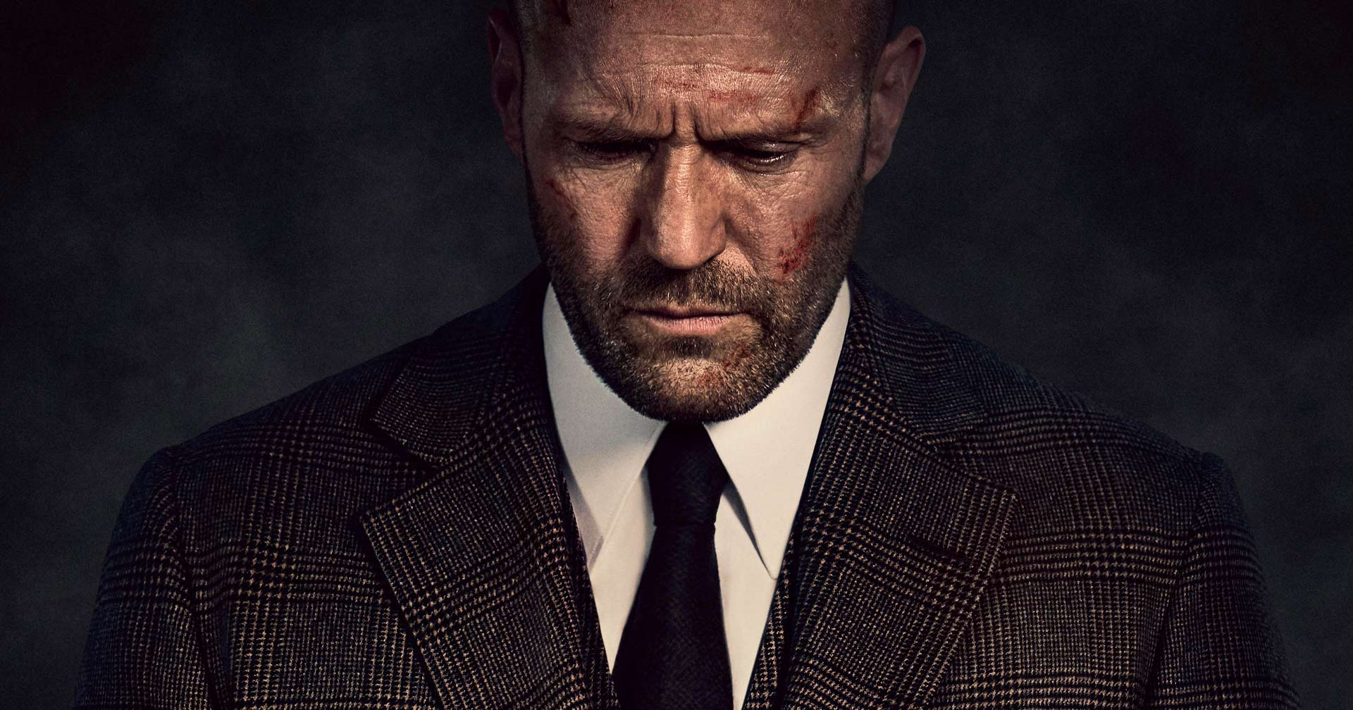 Jason Statham está de volta! Trailer exclusivo renova parceria do ator com o cineasta Guy Ritchie