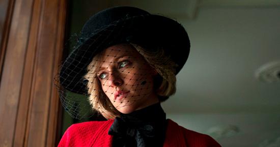 Kristen Stewart como Princesa Diana no filme Spencer